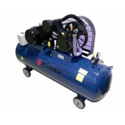 Oro kompresorius stūmoklinis, dvipakopis 3 cilindrų 300l 380V 4kW 648l/min 850rpm 12.5bar